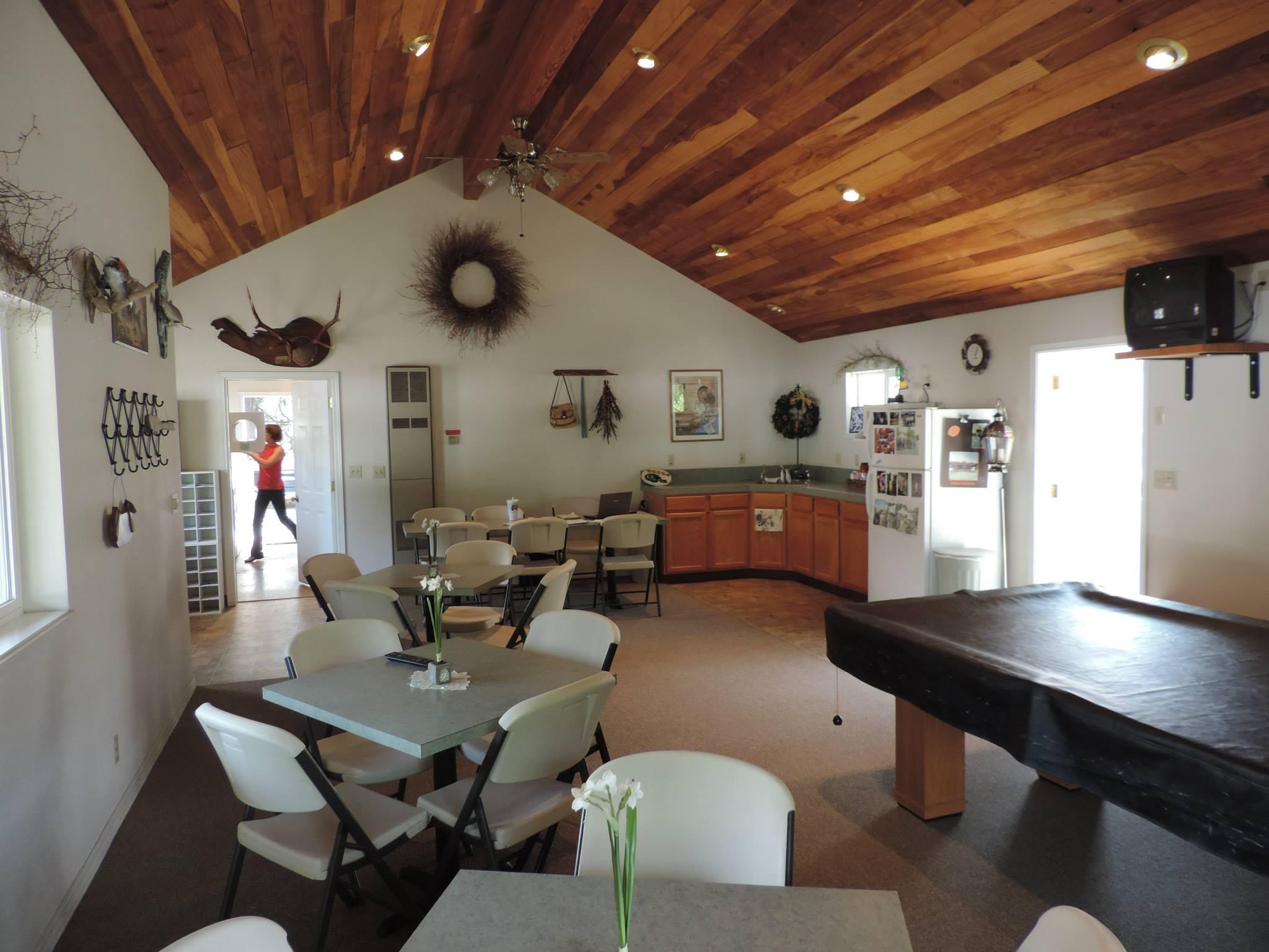 Rising River RV Park in Roseburg, Oregon - Best RV Campground, Full